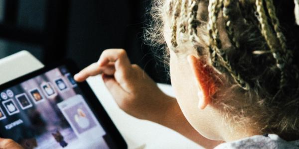 08.06.2021 - Online-Themenabend für Eltern: Chancen und Risiken der Mediennutzung von  Kindern im Grundschulalter